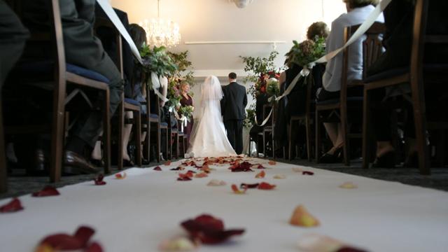 300万円で【SNS映え】のための結婚式より世界一周新婚旅行希望