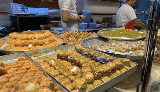 ドーハのAl Aker Sweets Shopのアラブ菓子を東京で!